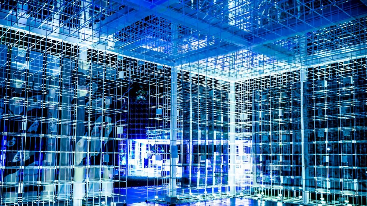 Počítačové servery, de jsou v prostřednictvím služby cloud uložena data.